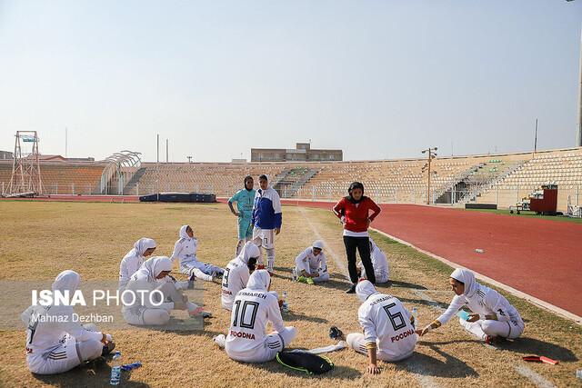 تمرین فوتبال دختران بمی در قرنطینه