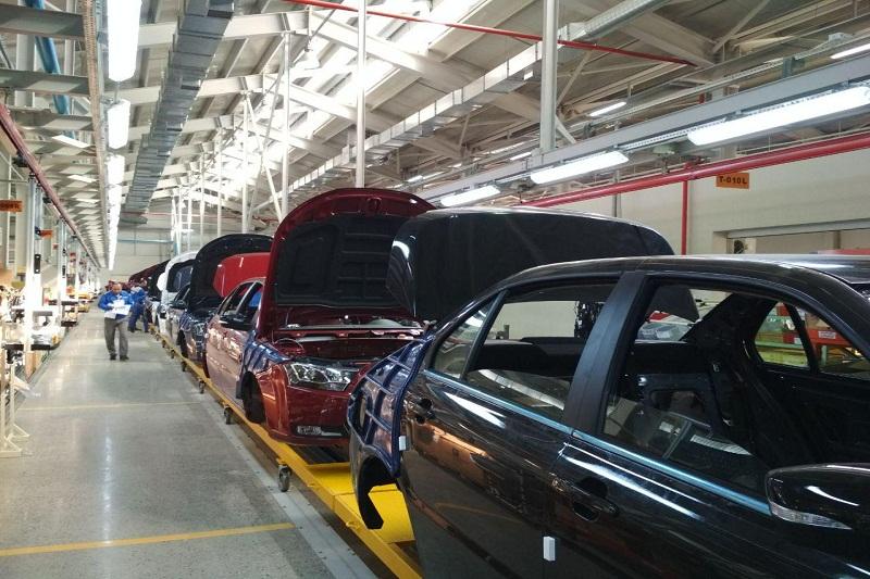 کارخانههای خودروسازی بم فعالیت خود را از سر میگیرند
